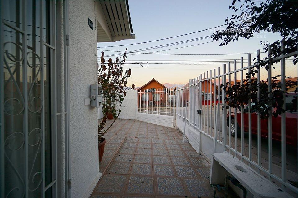 SAN FELIPE - SE VENDE CASA ESQUINA 2D 1B - PORTONES DE INCA